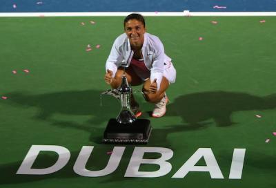 Spettacolo a Dubai, Errani trionfa