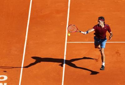 Roger Federer bagna il ritorno con una vittoria. Fognini dura solo un set, poi crolla contro Lorenzi