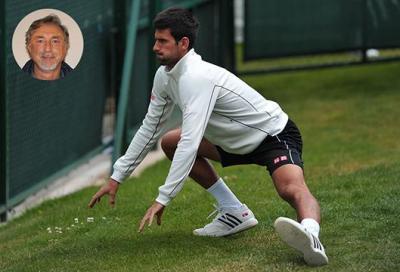 Un italiano dietro ai muscoli di Djokovic