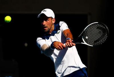 Monfils si squaglia, Djokovic ringrazia