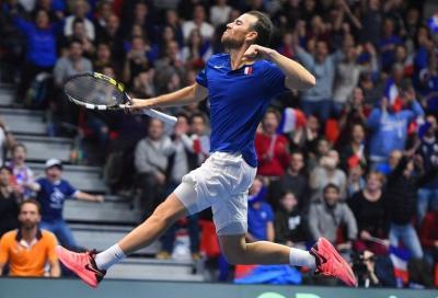 Adrian Mannarino salta e fa volare la Francia