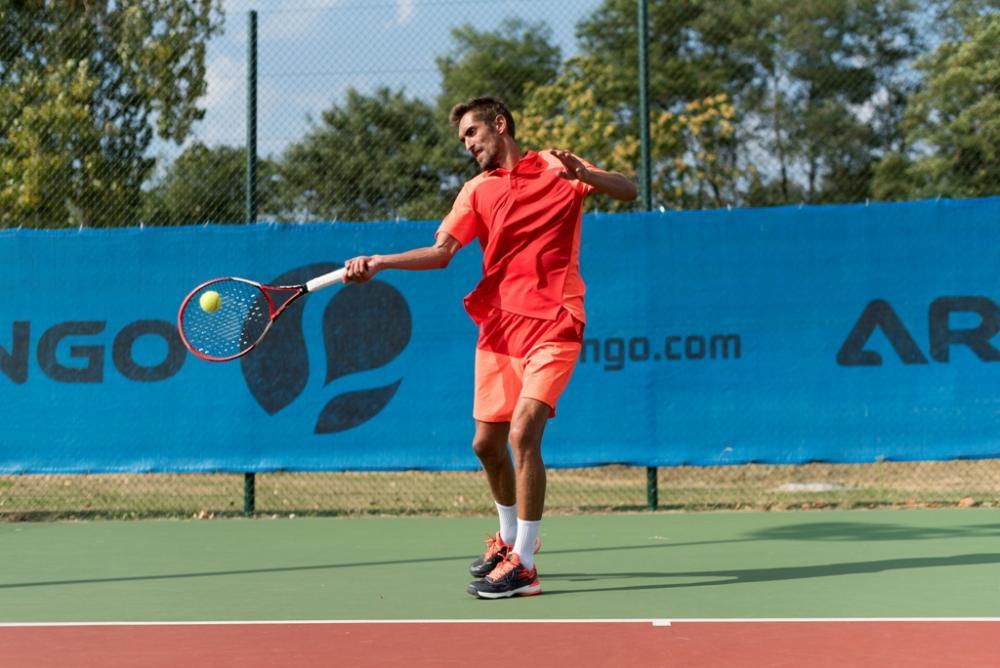 6dea5b7e382e La primavera è la stagione più bella per gli appassionati di tennis. Le  temperature si alzano, inizia l'attività all'aria aperta e la terra rossa  diventa ...
