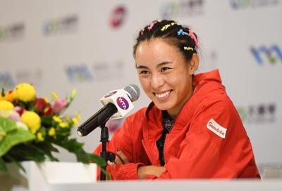 Qiang ringrazia le regole vola in finale