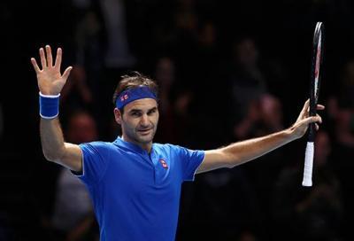 Federer scaccia la paura e fa 15 semifinali