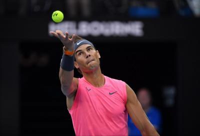 Kyrgios lotta, ma non basta contro Nadal. Avanti Halep, out Medvedev