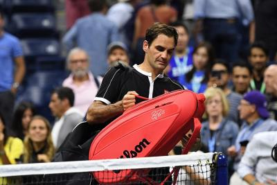 "Federer multato: 3 mila dollari per ""oscenità udibile"""