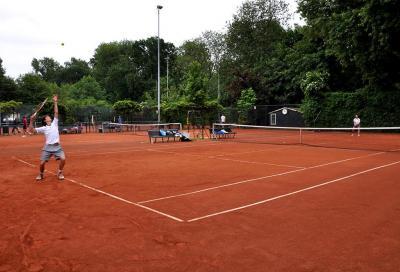 Chi può giocare a tennis e come si devono comportare i circoli dopo il decreto del 9 marzo