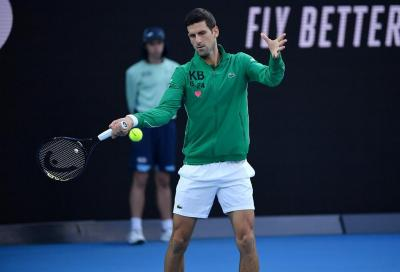 La famiglia Djokovic dona un milione di euro in ventilatori