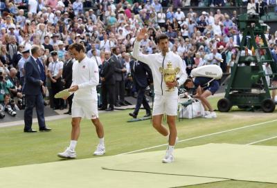 """Federer """"devastato"""" dalla cancellazione di Wimbledon. Poi si corregge: «tornerò l'anno prossimo»"""