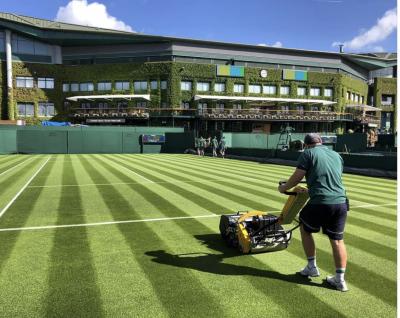 Stubley, capo giardiniere di Wimbledon: «l'erba è una superficie viva, lo slittamento ad agosto impossibile»