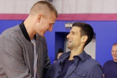 Il campione Nba Nikola Jokic positivo: era con Djokovic a Belgrado