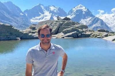 Roger Federer in mezzo alle montagne svizzere per la festa nazionale