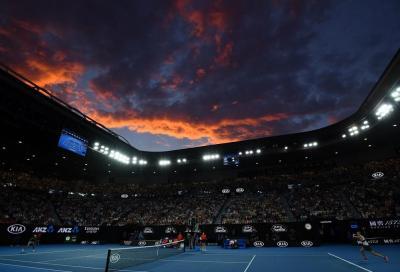 Australian Open, 400 mila spettatori e cinque bolle. Ma a Melbourne torna il lockdown