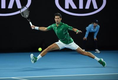 Cincinnati: Djokovic trita Struff. Salutano gli americani