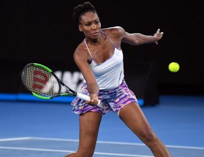 Venus Williams si allena per diventare la cattiva ragazza del tennis (VIDEO)
