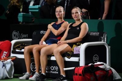 Us Open, Mladenovic e Babos squalificate dal doppio: quarantena per Kiki