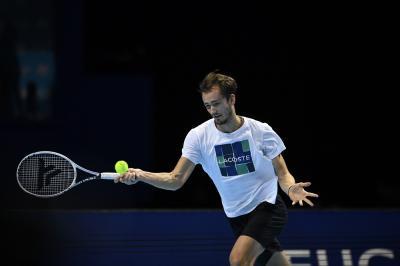 Atp Finals 2020: Medvedev parte bene, ko Zverev in due set