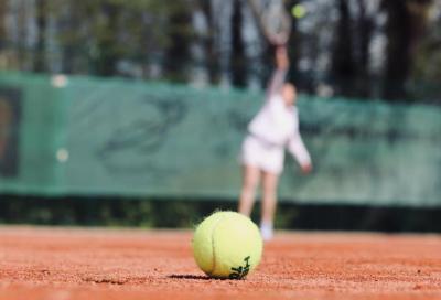 La pandemia mette lo sport in ginocchio, tennis e padel resistono