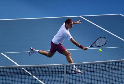 """Federer si complimenta con Kokkinakis per il ritorno alla vittoria: """"Ben fatto Thanaser"""""""