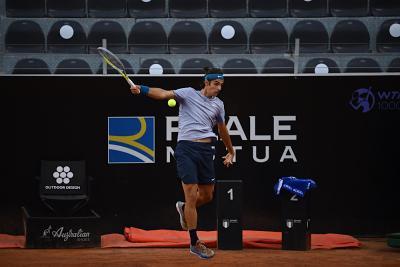 Opelka devastante: Lorenzo Musetti si arrende in due set