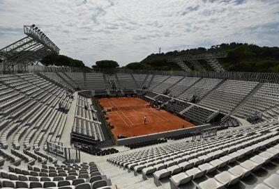 Pioggia su Roma: interrotti i match dei numeri uno Djokovic e Barty