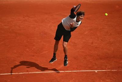 Roland Garros: Zverev vince col brivido, Tsitsipas si impone su Chardy