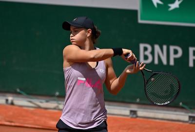 Roland Garros: Suarez Navarro eroica anche nella sconfitta. Si salva Barty