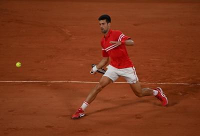Federer perde un set ma batte Cilic, Djokovic sul velluto
