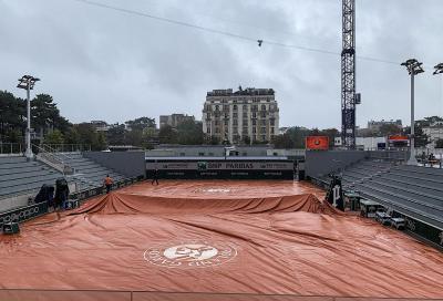 La pioggia ferma il Roland Garros: sospesa Fognini-Delbonis