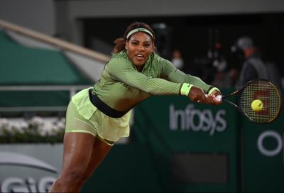 """Serena Williams insegna alla figlia Olympia i """"segreti"""" di nonno Richard (VIDEO)"""
