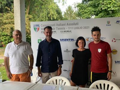 Una racchetta e due ruote: a Milano i campionati nazionali di tennis in carrozzina