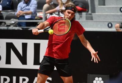 ATP Amburgo: Tsitsipas eliminato ai quarti, incredibile quanto accaduto alla racchetta (VIDEO)