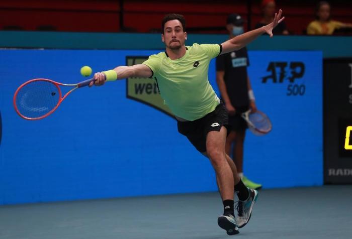 ATP Vienna: Mager si arrende a Novak, avanzano Tsitsipas e Zverev