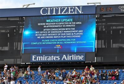 Pioggia su New York, la finale slitta a lunedì
