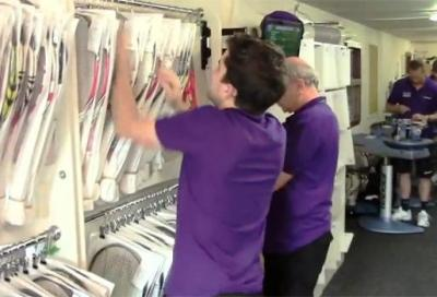 Wimbledon: nella stanza dove si incordano le racchette