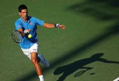 Djokovic ai quarti, ma che spavento! Petkovic-Suarez Navarro è la prima semifinale femminile.