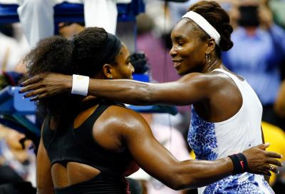 Serena vince il ballo di famiglia, Djokovic e Cilic in semifinale