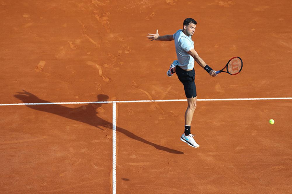 Oggi, i fotografi di tutto il mondo fanno a spallate per avere i posti migliori durante gli incontri di Roger Federer. Ma non per osservare da vicino uno dei più forti (il più forte?) di tutti i tempi, bensì perché lo stile di gioco del campione svizzero regala scatti meravigliosi, che nessun altro giocatore sa garantire. O forse, pensandoci bene, uno c'è. Si è capito da anni che l'etichetta di nuovo Federer era esagerata, ma in quanto a eleganza in campo Dimitrov resta il n.2.