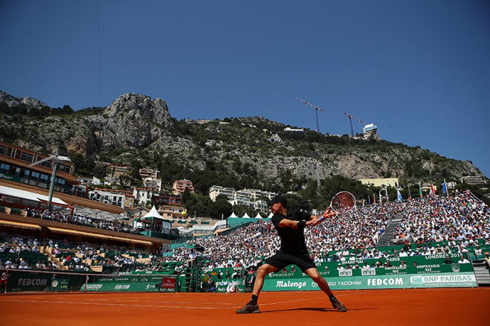 Non avrà mai lo stile esecutivo di Gasquet o la grazia di Federer, ma il rovescio di Dominic Thiem resta uno dei colpi più belli (e scenici) del circuito ATP. Una frustata a tutto braccio, che imprime alla pallina potenza, velocità e spin. Dopo la vittoria contro Novak Djokovic, l'austriaco ha raccolto le briciole contro Nadal, ma a occhio e croce sarà anche quest'anno il suo primo competitor sulla terra battuta. Nel 2017 l'ha sconfitto almeno una volta. Quest'anno? Chissà.