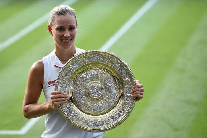 Pochi l'avevano pronosticata alla vigilia: giocando un torneo impeccabile, Angelique Kerber si è aggiudicata il suo terzo Slam, con tanto di vittoria su Serena Williams.