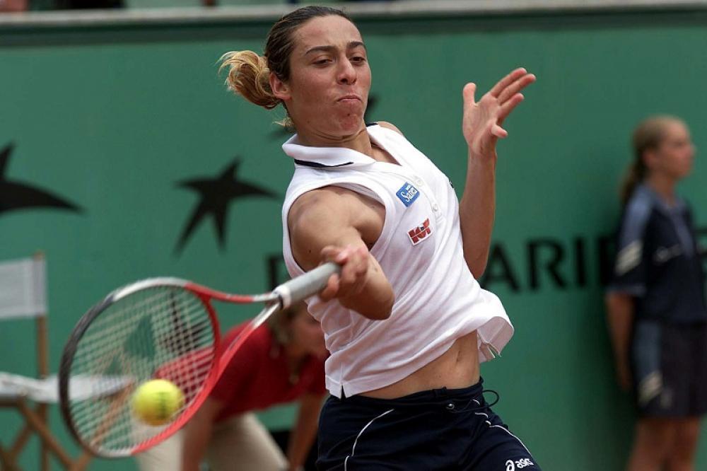 Roland Garros 2001 – Una Francesca ancora ventenne raggiunge i quarti e cede a Martina Hingis. Pochi la conoscevano, molti iniziano ad accorgersi di lei.
