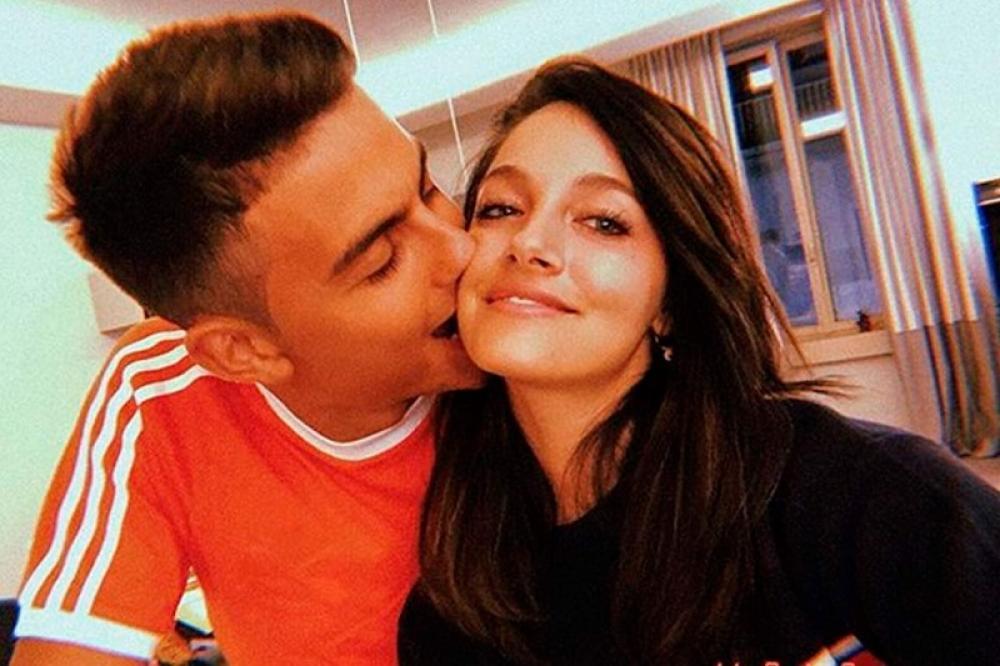 Oriana Sabatini in compagnia del fidanzato Paulo Dybala