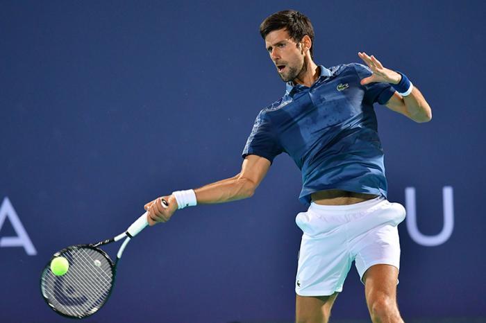 Novak Djokovic ha impressionato nella sua prima uscita stagionale: ha sconfitto Karen Khachanov 6-4 6-2 e affronterà Kevin Anderson nella finale del torneo di esibizione di Abu Dhabi