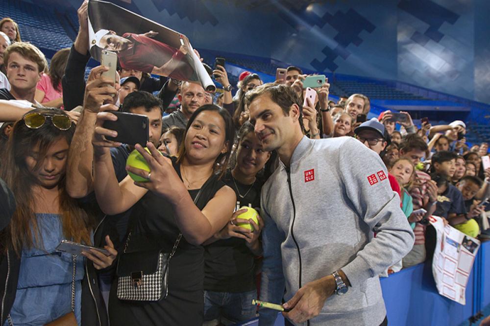 Millecinquecento tifosi circa hanno preso posto alla RAC Arena di Perth per il primo allenamento di Roger Federer. Nessuno muove così tanto interesse, anche se due anni fa erano stati 6.000 i fans accorsi. Però all'epoca, al rientro dopo una lunga assenza, c'era la paura di non vederlo più tanto spesso. Invece...