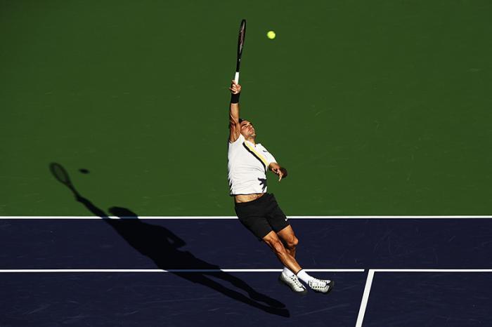 Sua Maestà, l'Eleganza, alias Roger Federer.